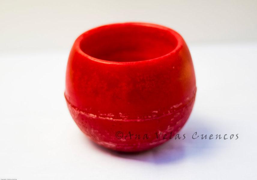 Cuenco redondo de parafina color rojo con aroma a fresas y moras